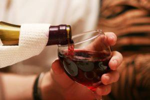 krasnoe-vino-300x200.jpg